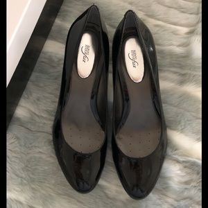 ALFANI WOMEN's Black Pat Pumps size 11M